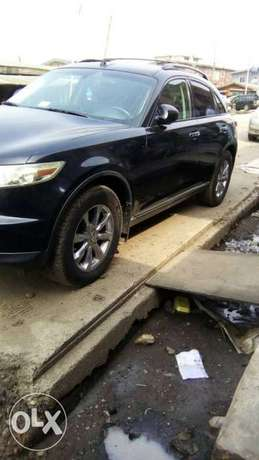 Neat Tokunbo Infiniti FX 35 Tincan Cleared Port Harcourt - image 3