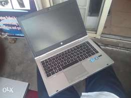 HP ELITEBOOK 8460p Corei7 500gb/4gb Very Clean