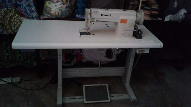 Emel industrial sewing machine 6-9 inter lock Wuse - image 1