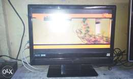 "Bush lCd 15"" wall tv very clean"