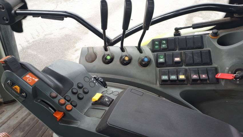 Claas arion 620 cis t4i - 2012 - image 3