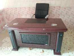 1.4 meter Executive Office Table (c-002)
