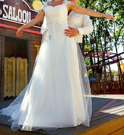 440fa5f295eaf52 Свадебное платье: 4 500 грн. - Свадебные платья/костюмы Харьков на Olx