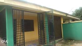 Stand alone 3bed room flat in Afrostoff estate Alagbaka Akure