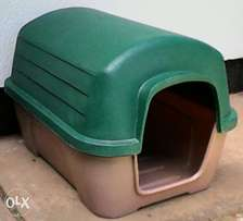 Dog kennel, plastic, medium size, 67x88x63cm. Split unit.