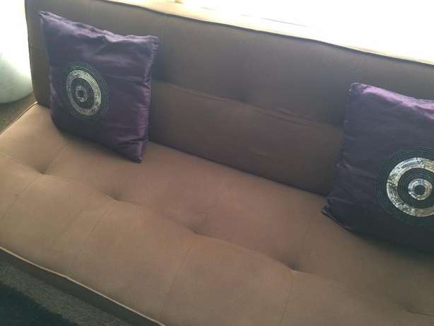 A beautiful Sleeper Couch for sale North Riding - image 2