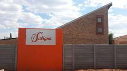 Klerksdorp: Doringkruin 1 bedroom-loft unit to rent in Saligna complex