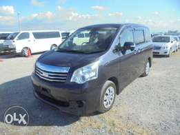 TOYOTA / NOAH CHASSIS # ZRR70-86 year 2010