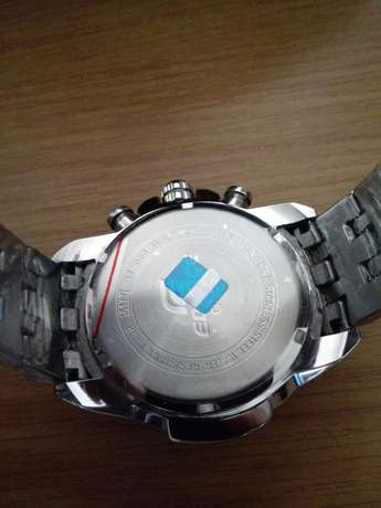 Casio Edifice F1 Redbull Edition new in box, retail R5500. Umhlanga - image 5