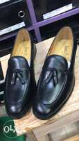 John foster black leather casual shoe for the elite