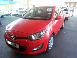 2013 Red Hyundai i20 1,6 Fluid