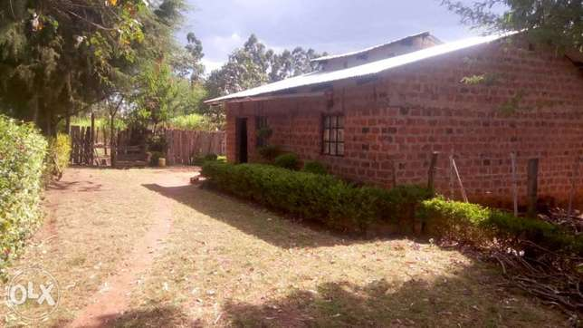 1 Acre land FOR SALE With a THREE bedroom house in Trans-Nzoia County Sinyerere - image 1