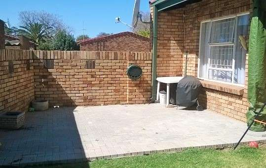 Townhouse for sale Potchefstroom - image 2