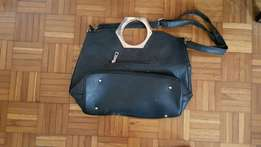 Ladies handbags,clothg,girls clothes and ladies shoes