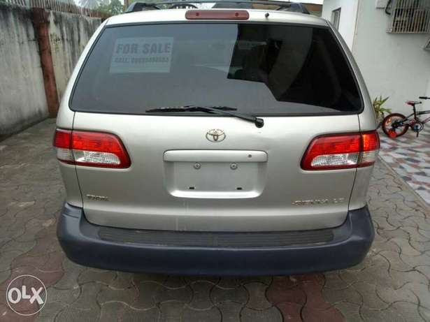 Toks lag cleared 02 toyota sienna LE for N1.750 Bariga - image 7
