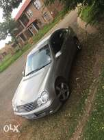 Mercedes Benz C350 Super clean low mileage