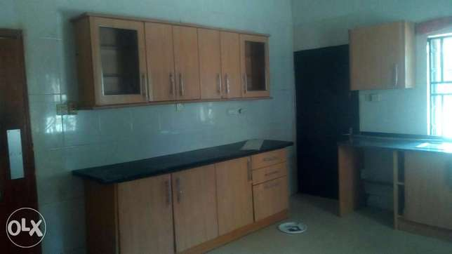 renovated and serviced 4bedroom fully detached duplex crown estate aja Ajah - image 8
