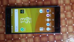 Sony xperia Z5,32gb, brand new, one month old.