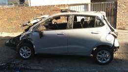 2015 Hyundai grand i10 breaking up spares.