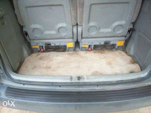 ADORABLE MOTORS: A crispy clean & sound 2002 Toyota Sienna for sale Lagos Mainland - image 5