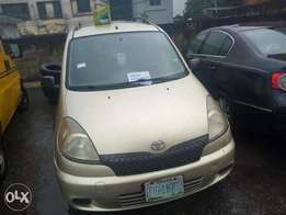 Toyota yaris 2003 in super condition for a give away price