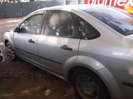 Ford Focus 1.6 Trend stripped for spares