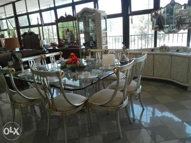 glass dining table. eight seater Wangunyu - image 1
