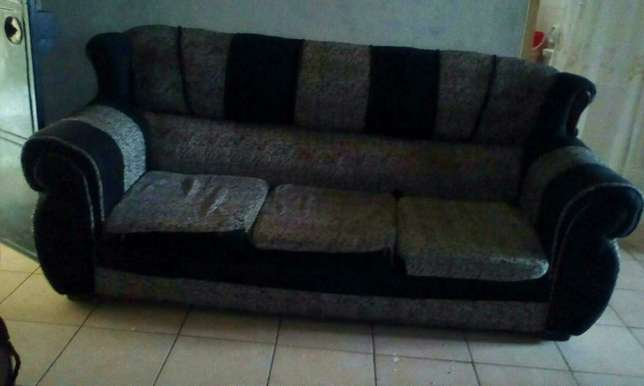 3, 2, 1 used sofa seats Changamwe - image 2