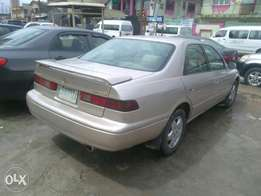 Toyota Camry 2001 registered