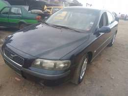 Super clean tokunbo Volvo S60, 2003 model.