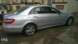 2009 Mercedes E350. With Sunroof.