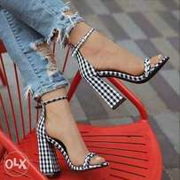 Monochrome block heel
