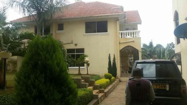A 4 bedroom in Lavington, 5 units in a compound. Lavington - image 8