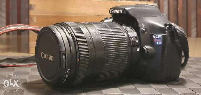 Canon Rebel T2i/550D Camera with Canon EFS 18-135 mm f/3.5-5.6 Lens