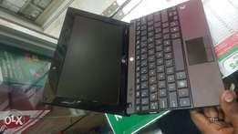Hp mini laptop 2gb ram and 320gb hdd 10.1 display 9cell battery