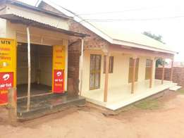 Business kiosk for rent and in Kasangati at 100k per month