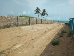 6 plots of land facing the beach by Tropicana Resort LFTZ