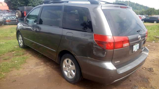 Toyota Sienna (2005) Wuse - image 2