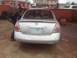 buy and use Nissan Altima