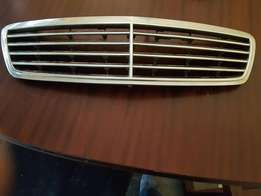 Mercedes benz C200 front grill w203