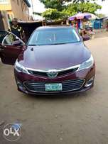 Super clean and first body toyota avalon 013 with full option