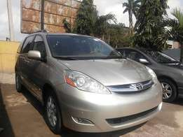 Toyota Sienna XLE limited clean tokunbo, you can call for inspection
