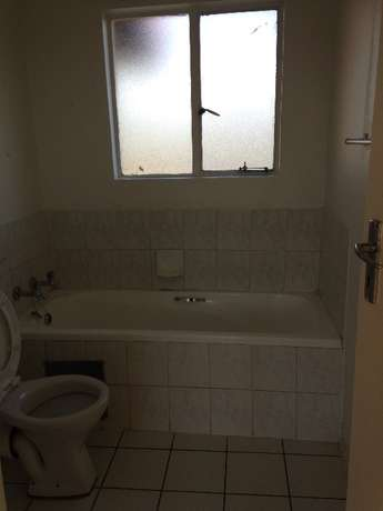 Two bedroom flat for Rent in Northgate Northgate - image 6