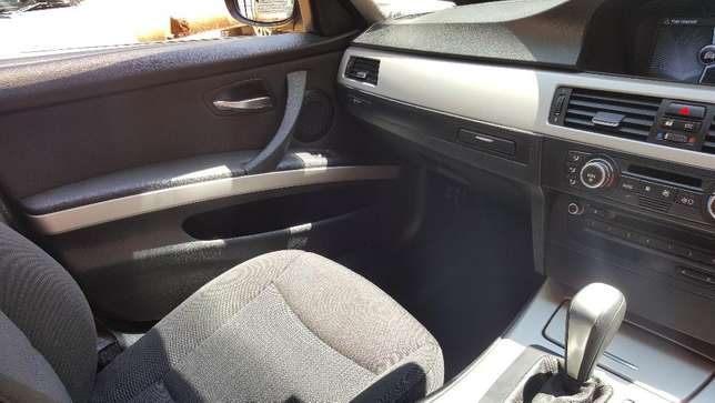BMW 320i Loresho - image 4