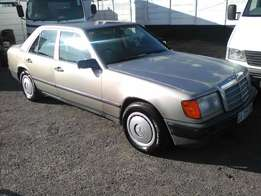 Mercedes Benz 230E automatic 1989 on month end special sale R25000