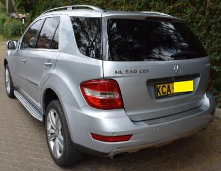 Mercedes Benz ML KCA[7-speed automatic,Cruise Control,all wheel drive] Karen - image 4