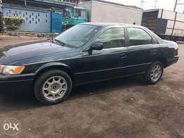 Toyota Camry 2000, sound engine and gear with view months used