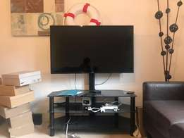 im selling my 48inch samsung with full HD