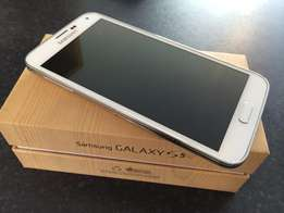 Samsung S5 LTE in mint condition