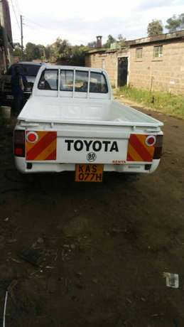 Quick sale! Toyota pickup Millennium KAS available at 970k asking! Nairobi CBD - image 4
